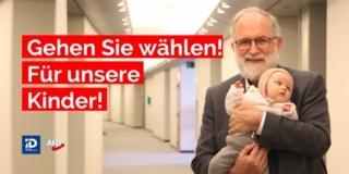 Joachim Kuhs mit Baby